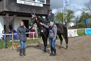 Passin am24.04.2016 Springpferdeprüfung Kl.A Reiter über 40